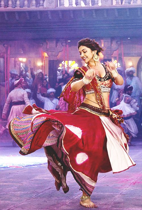 Amazing Bollywood Style - (36 Photos)