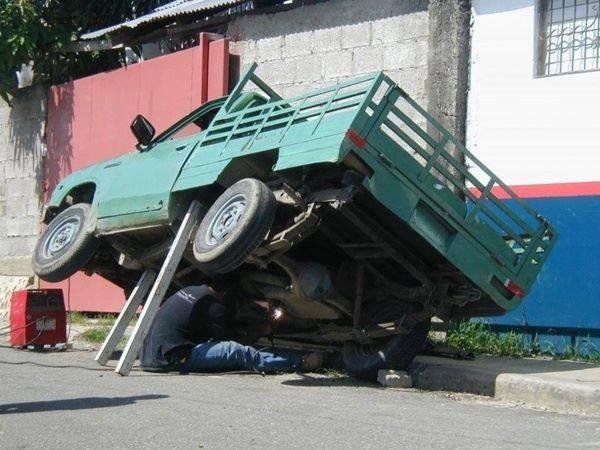 Extreme Idiots (13 Pics)