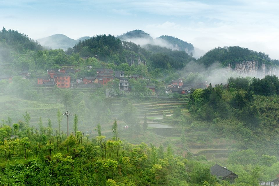 Most Beautiful Jidou Miao Village in the heart of Xiangxi'ssteep cliffs in China