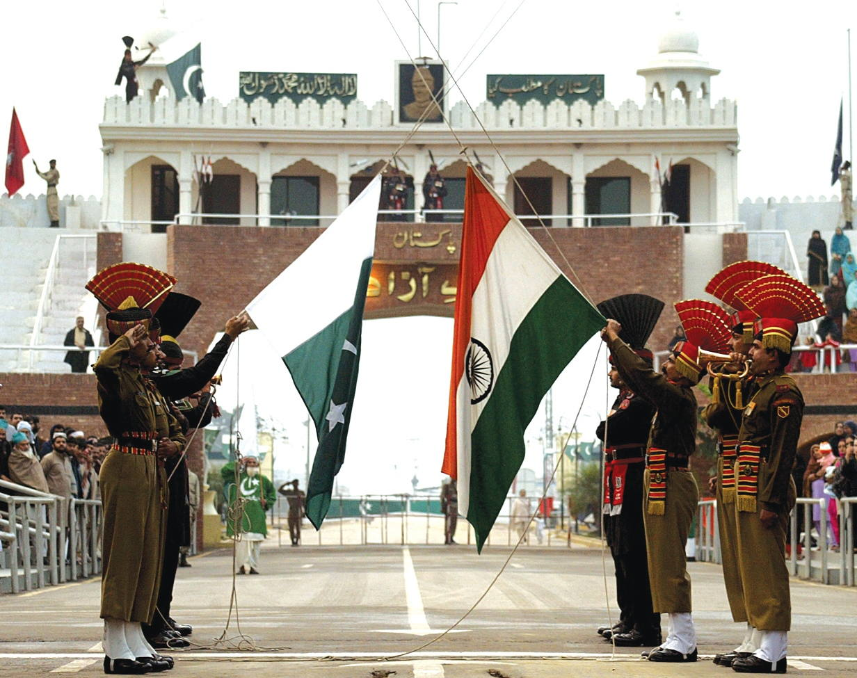 Wagah - Attari Border Closing Ceremony By India & Pakistan
