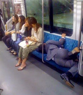 22+ Funny-Awkward Sleeping Positions