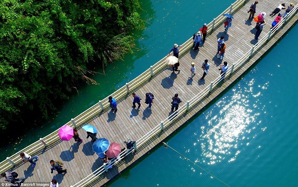 Most Amazing Walkway Over Water in China