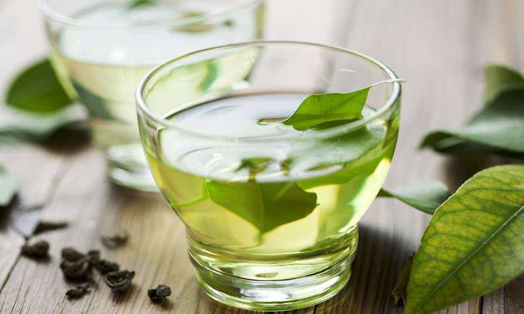 10 Reasons Why You Should Include Green Tea In Your Diet