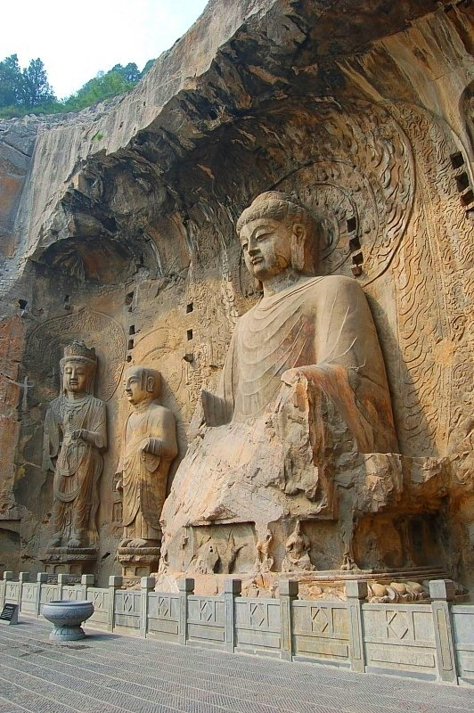 Longmen Grottoes - The Magnificent Ancient Rock Cut Buddhist Caves In China