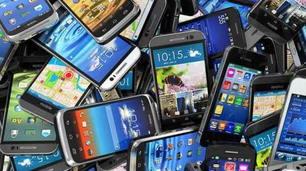 Indians' Smartphone Addiction Touches The Sky