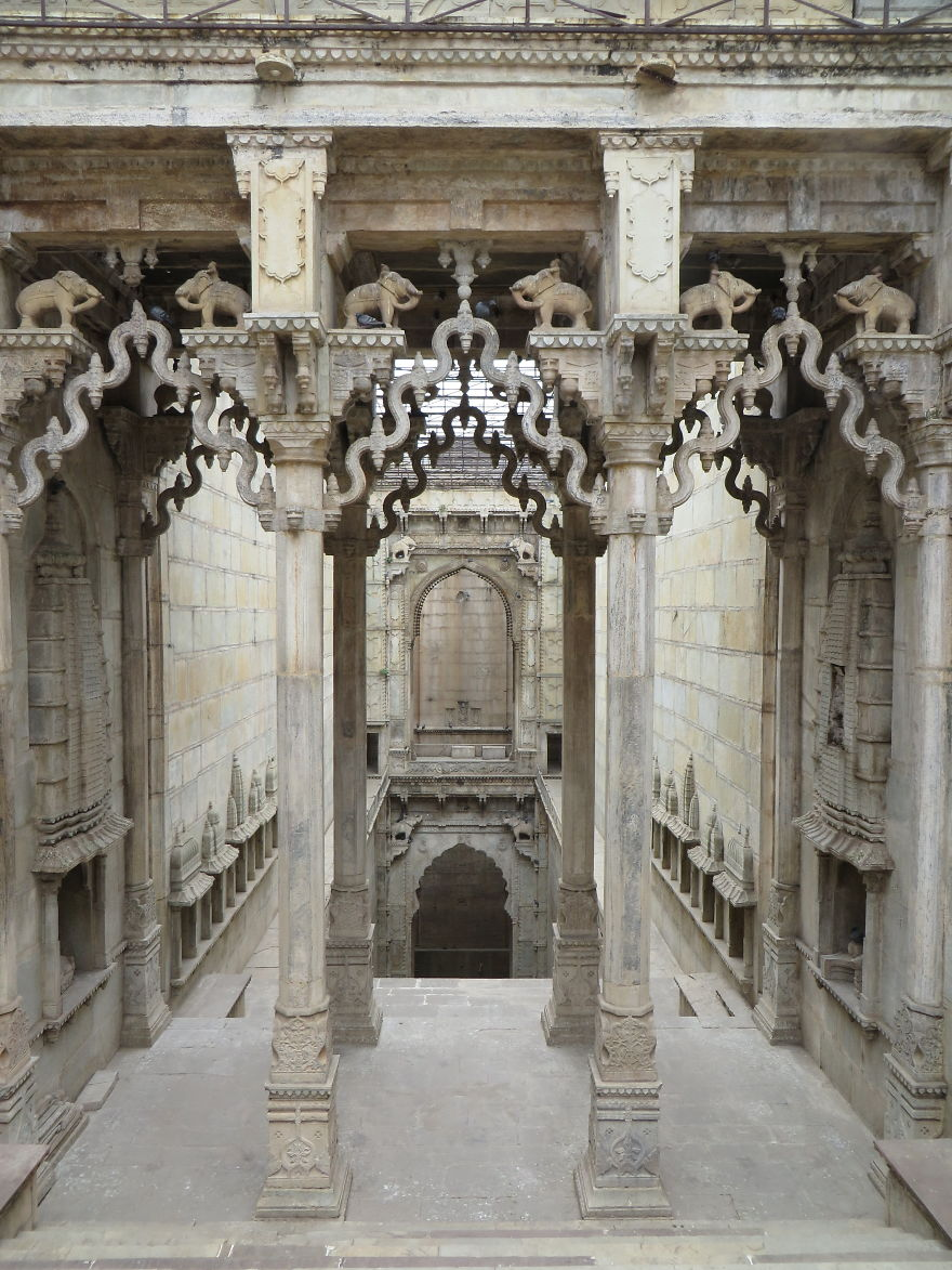 Ancient Stepwells of India - View India's Ancient, Forgotten Subterranean Marvels