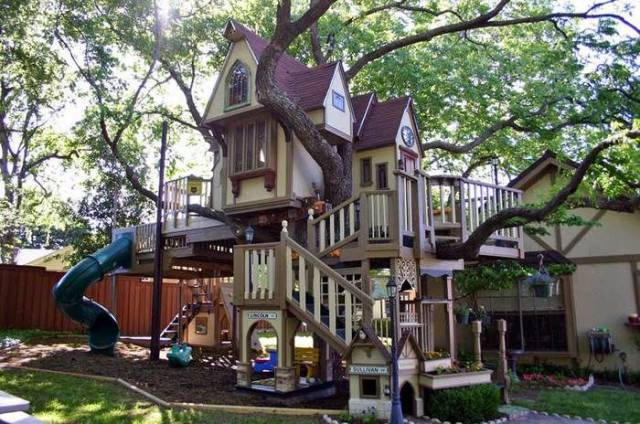 When Fairytale Home Comes To Life (10 pics)