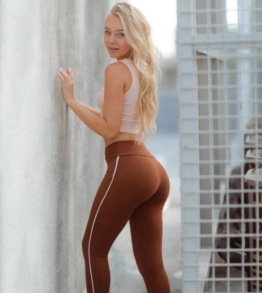 60+ Reasons To Love Yoga Pants!